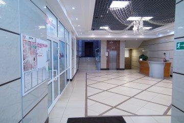 Главный холл на 1-м этаже